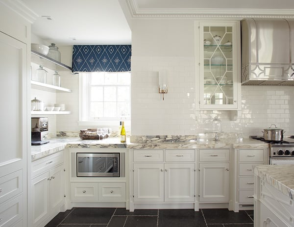 Glossy Subway Tile Splashback