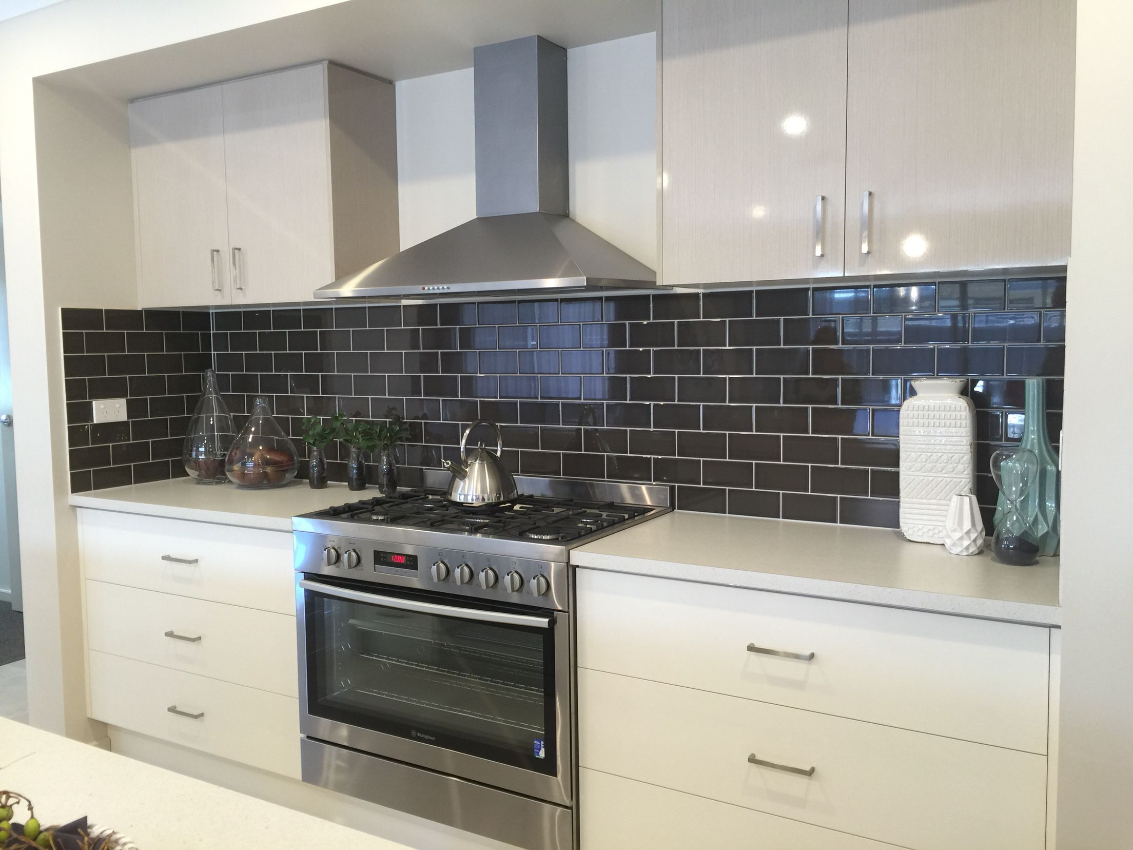 charcoal brick splashback