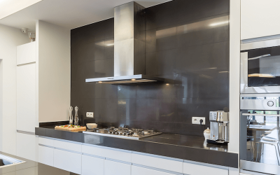 12 Reasons Why Your Kitchen Needs a Range Hood