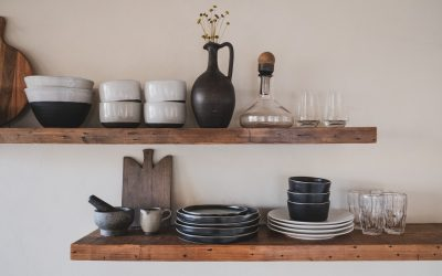 Storage Solutions: How to Organise a Kitchen With Little or No Cabinets